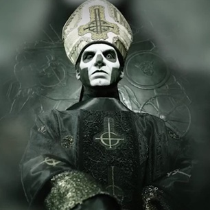 Papa-Emeritus-III-ghost-306