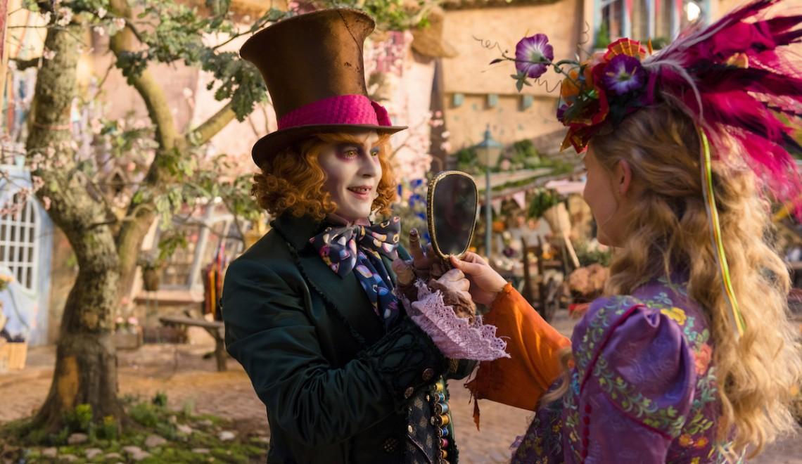 Alice Attraverso Lo Specchio: due nuove clip in anteprima con il Cappellaio Matto