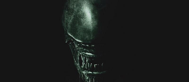 """Diretta verso un remoto pianeta sul lato più lontano della galassia, l'equipaggio della nave Covenant giunge su quello che pensano sia un paradiso inesplorato ma che in realtà si rivela essere un pericoloso mondo oscuro il cui unico abitante è il """"sintetico"""" David (Michael Fassbender), superstite della spedizione Prometheus."""